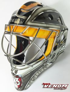 casque-france-saxoprint_magnus_decoration_peinture_masque_gardien_hockey_glace_design_venom__gardien_goalie-quentin-papillon-dragons-rouen-personnalisation-ccm-bauer-matthieu_merligauche2