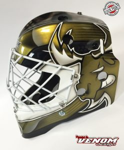 casque_magnus_decoration_peinture_masque_gardien_hockey_glace_roller_design_venom__gardien_goalie-jules-herve-dammarie-personnalisation-ccm-bauer-matthieu_merlin_aerographe-gauche2