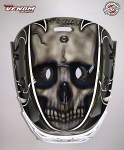 casque_magnus_decoration_peinture_masque_gardien_hockey_glace_roller_design_venom__gardien_goalie-jules-herve-dammarie-personnalisation-ccm-bauer-matthieu_merlin_aerographe-haut2